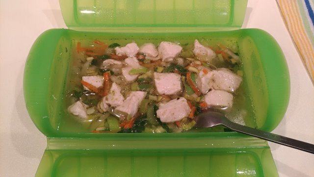 鶏胸肉をシリコンスチーマーで加熱調理