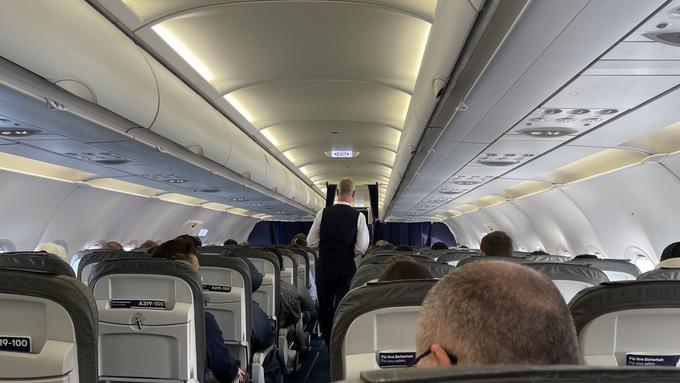 ルフトハンザドイツ航空の飛行機内の様子