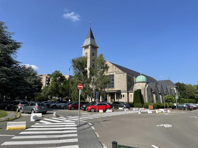 ブリュッセル内歯科医院近くの教会